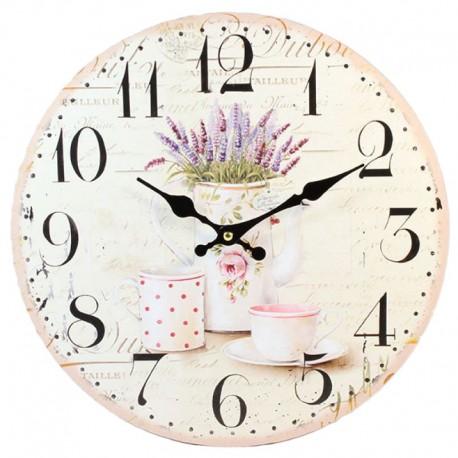 Jasny zegar prowansalski ozodbiony kubkiem filiżanką i dzbanem z lawendą