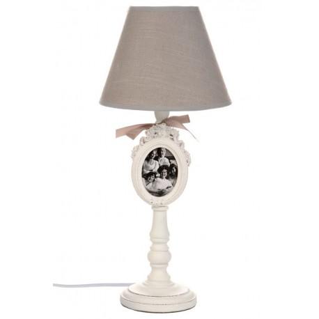 Lampa z ciemnym abazurem w stylu prowansalskim z ramka na zdjęcie