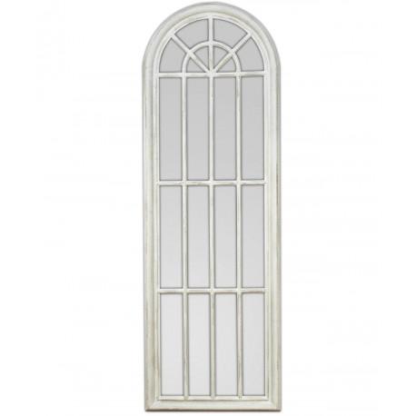 Wysokie lustro przypominające francuskie okno.