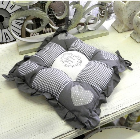 Miękkie ozdobne poduszki na krzesła