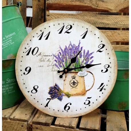 Ozdobny prowansalski zegar z motywem lawendy na jasnym tle