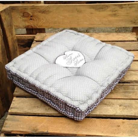 Poduszki sweet home w szaro białej kolorystyce