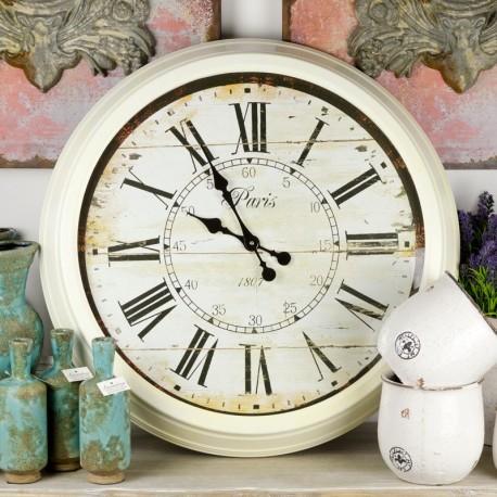 Duży jasny zegar w metalowej ramie