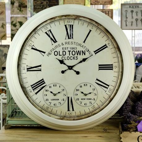 Duży metalowy zegar z dodatkowymi dwoma zegarami