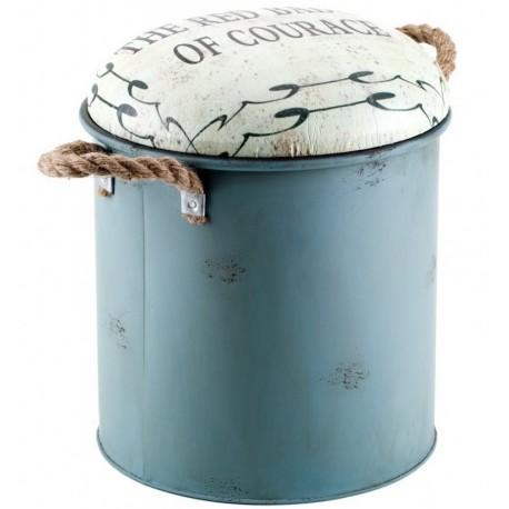 metalowa niebieska pufa z białym siedziskiem ozdobionym napisami