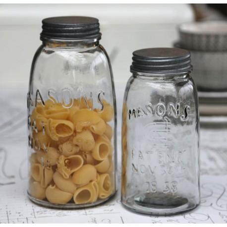 Dekoracyjny słoik idealny na przykład do kuchni