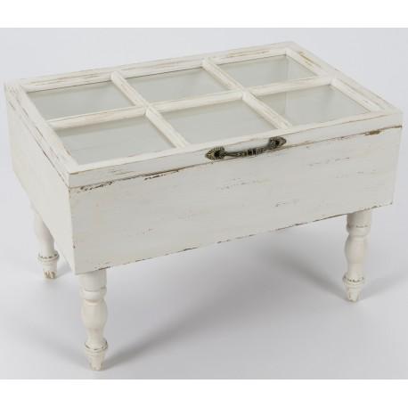 Biały, mocno przecierany kwadratowy stolik kawowy z przeszklonym blatem