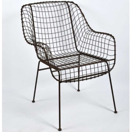 Krzesło industrialne zostalo w całości wykonane z metalowej kratki i genialnie sprawdza się we wszystkich surowych aranżacjach.