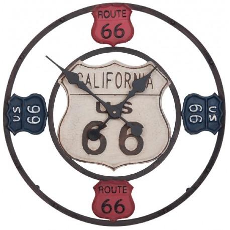 Metalowy zegar ozdobiony pięcioma tabliczkami route 66