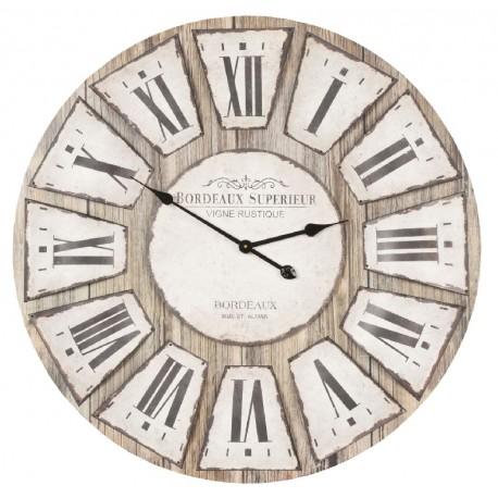 duży zegar z rzymskimi cyframi w kolorystyce brązowo kremowej