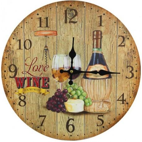 okrągły zegar ozdobiony motywem wina w butelce umieszczonej na imitacji drewnianych desek