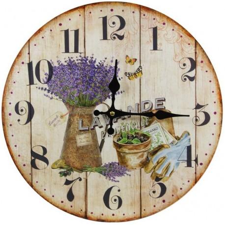 Fantastyczny zegar ścienny posiadający motyw lawendy umieszczony na tle imitującym drewniane deski
