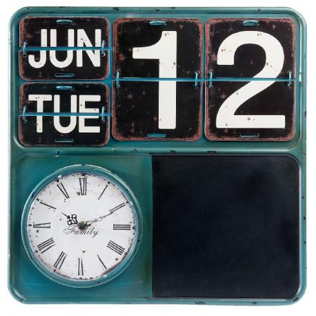 Oryginalny zegar retro wyposażony zosał nie tylko w tarczę odmierzającą czas ale również w tablicę do pisania i kalendarz z metalowych tabliczek.