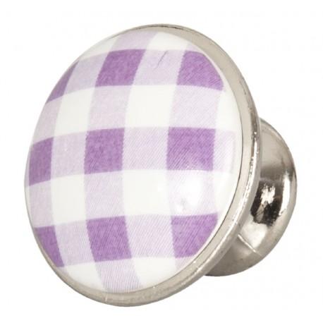 Gałka meblowa w fioletowo-białą kratkę świetnie wygląda w połączeniu ze wszystkimi, tradycyjnymi meblami z drewna.