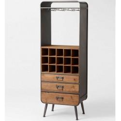 wyjątkowy regał wykonany z drewna i metalu posiadający wieszaki na kieliszki, półki kwadratowe oraz trzy szuflady