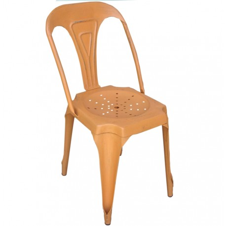 pomarańczowe krzesło metalowe