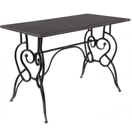 Czarny stół z metalu znajdzie dla siebie miejsce pod daszkiem na tarasie.