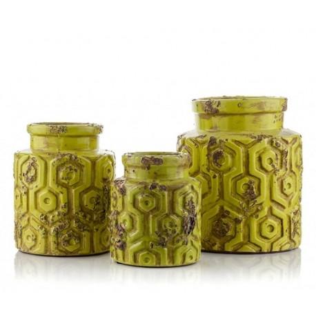 Osłonka prowansalska może równie dobrze spełniać się w roli wazonu na świeże lub suszone kwiaty.