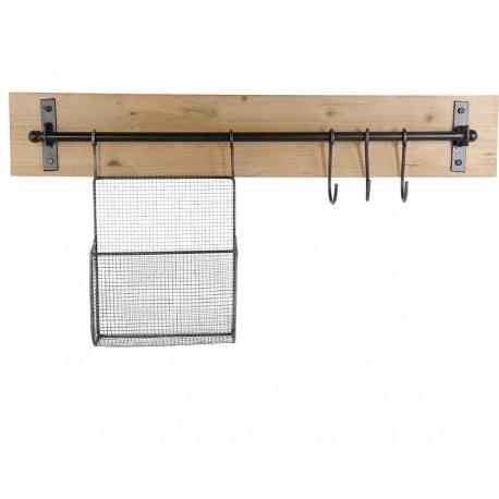 WIeszak loftowy z koszykiem metalowym i haczykami zawieszonymi na podłużnym pręcie metalowym.