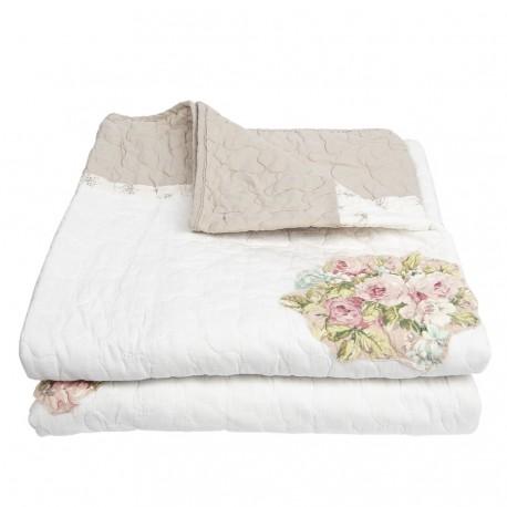 Stylowa, duża narzuta na łóżką lub sofę w kolorze biało-beżowym z dekoracyjnymi kwiatami róż.