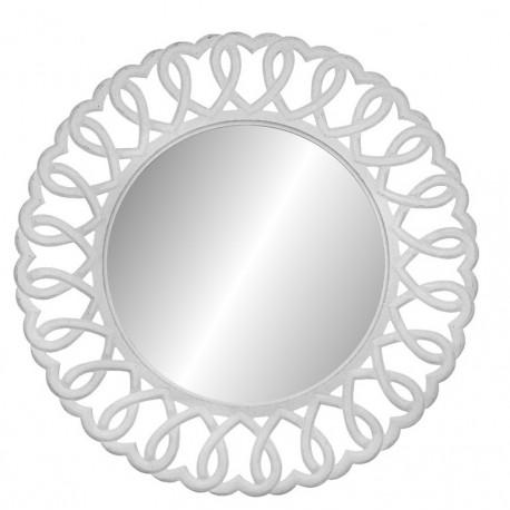 Duże, biale lustro prowansalskie w dekoracyjnej i ażurowej ramie moze zająć miejsce nad konsolą lub toaletką w stylu prowansalskim.