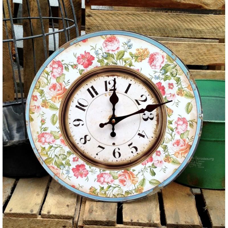 Zegar z pięknym motywem kwiatowym w stylu retro.