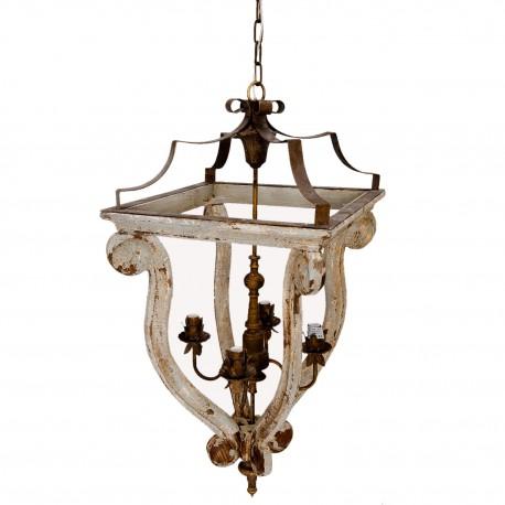 Prowansalski żyrandol z licznymi postarzeniami to ciekawa konstrukcja. Idealny do salonu.